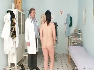 naughty gyno doctor examines the curly fur pie of