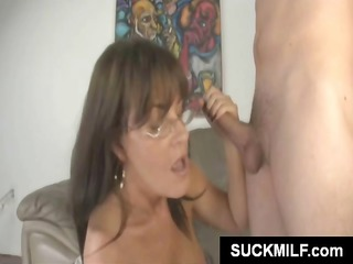 slutty mother and daughter team share a bulky