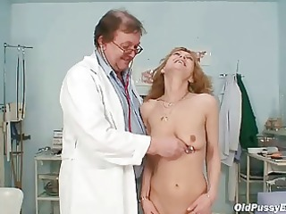 slim milf gyno clinic exam by perverted doctor